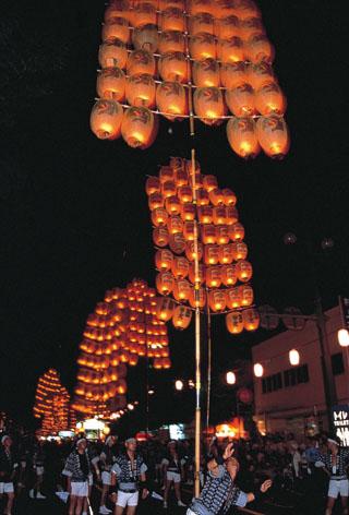 秋田竿燈祭 デート
