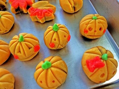 ハロウィン お菓子 配る 手作り